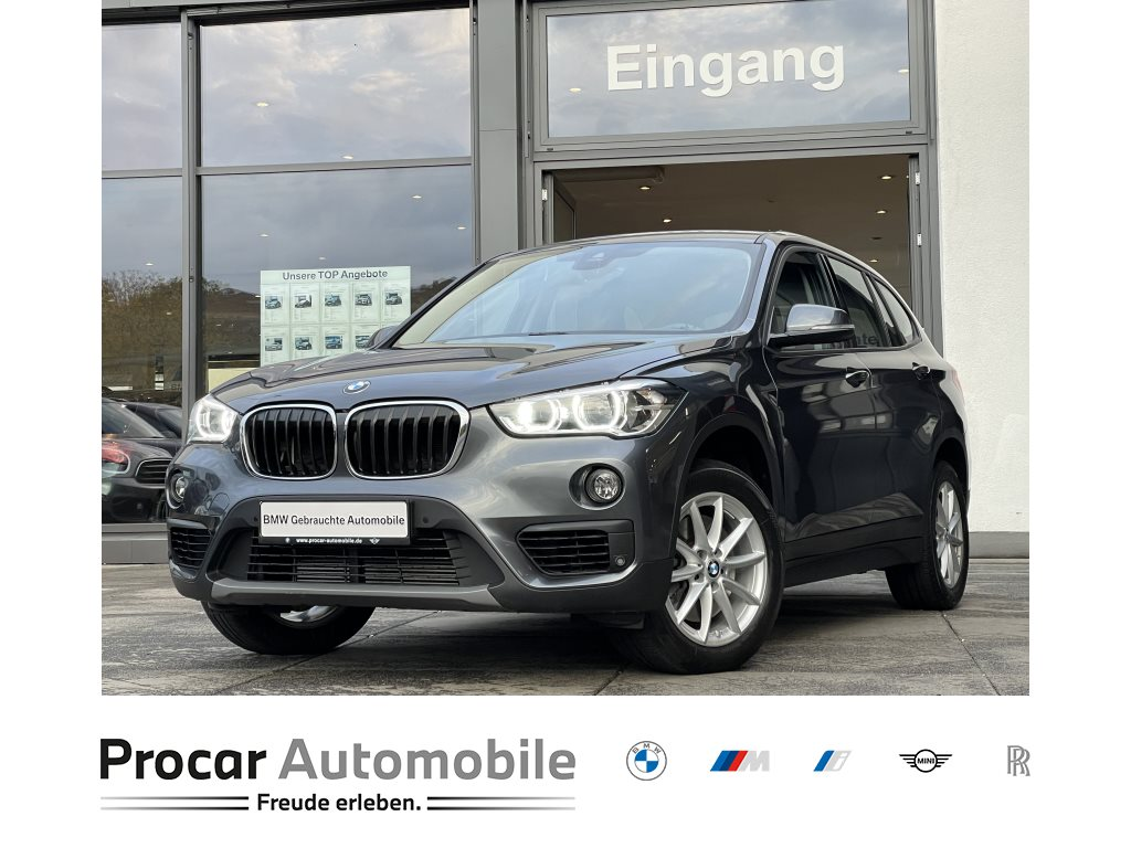 BMW X1 xDrive20i Navi LED Aut. PA PDC Shz 17 LM, Jahr 2018, Benzin