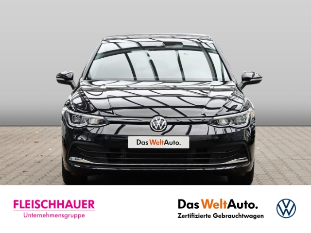 Volkswagen Golf VIII Style 1.5 TSI NAVI PANORAMAD. ACC, Jahr 2020, Benzin