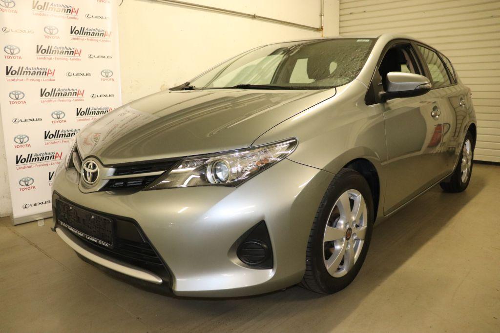 Toyota Auris 1.33 Dual-VVT-i Cool, Jahr 2015, Benzin