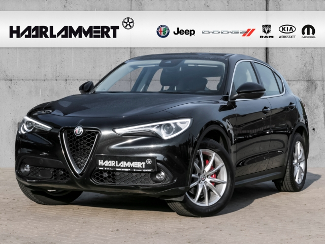Alfa Romeo Stelvio Super Q4 2.2 LEDER+BI-XENON+ALLRAD+NAVI+MP3, Jahr 2017, Diesel