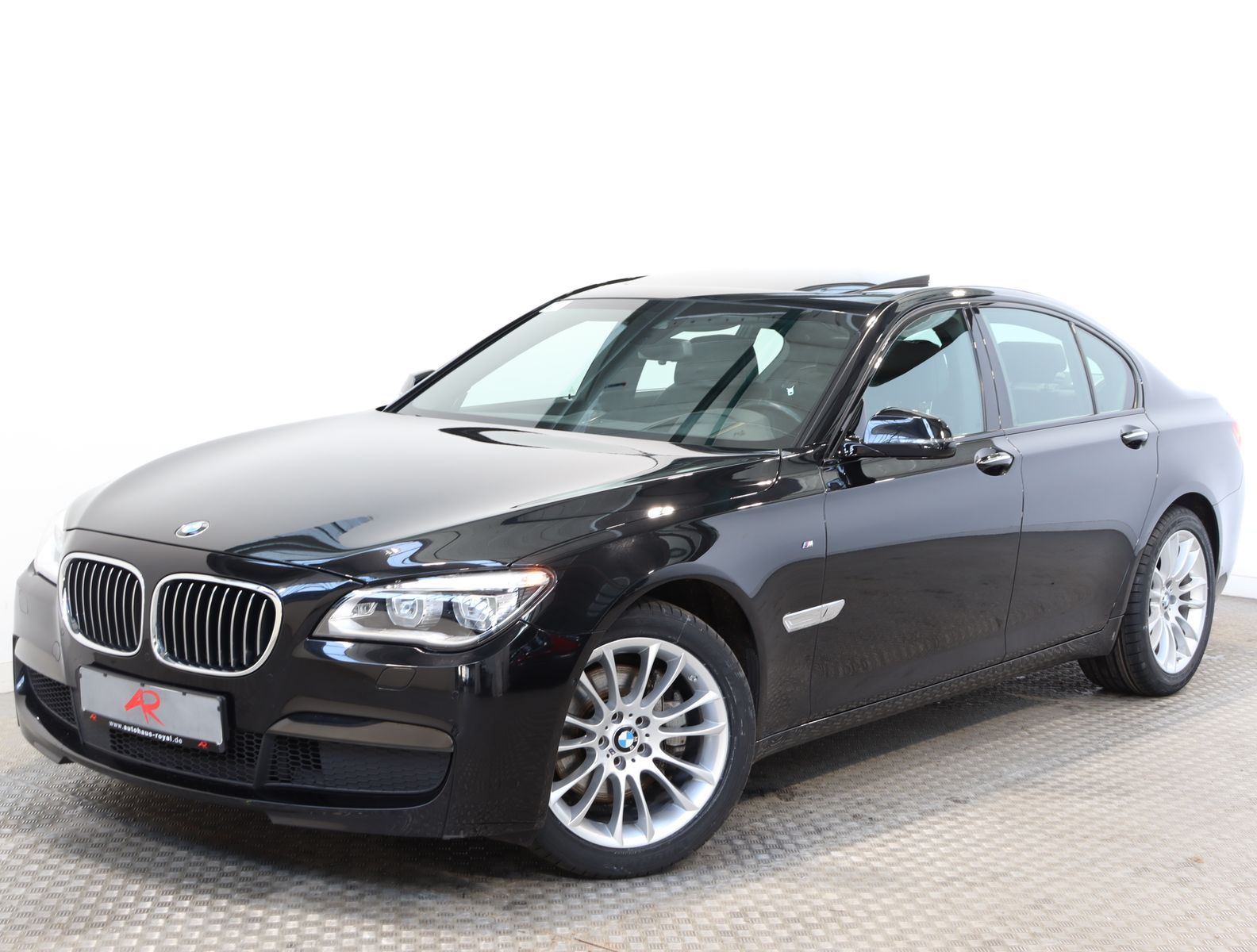 BMW 730 d M SPORT BANG+O HIGH END,DIGI,TACHO,360GRAD, Jahr 2014, Diesel