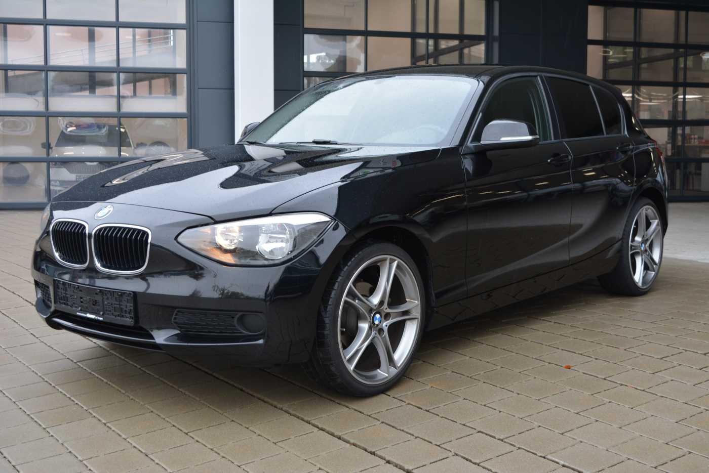 BMW 116i 5-Türig Klima, PDC hinten, 19' LM, Jahr 2013, petrol