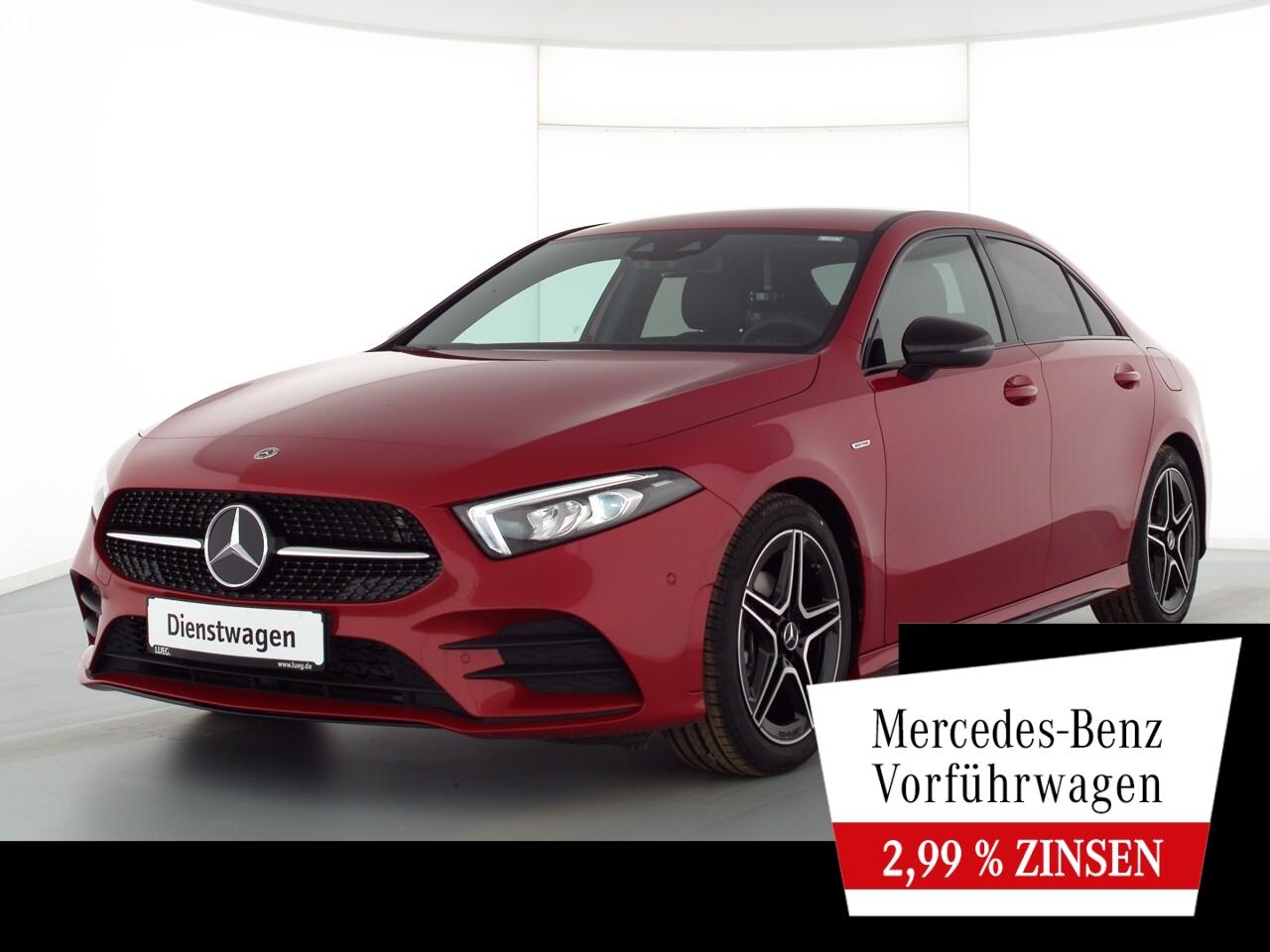 Mercedes-Benz A 180 Lim EDITION2020+AMG+NIGHT+MBUX-HIGH+KAMERA, Jahr 2021, Benzin