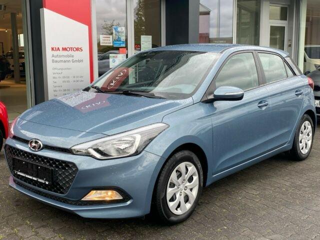Hyundai i20 1.2 Go *KLIMA*AHK, Jahr 2018, Benzin