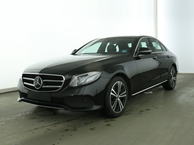 Mercedes-Benz E 450 4M COMAND+DISTR+WIDESCR+PANO+MULTIBEAM+360, Jahr 2019, Benzin