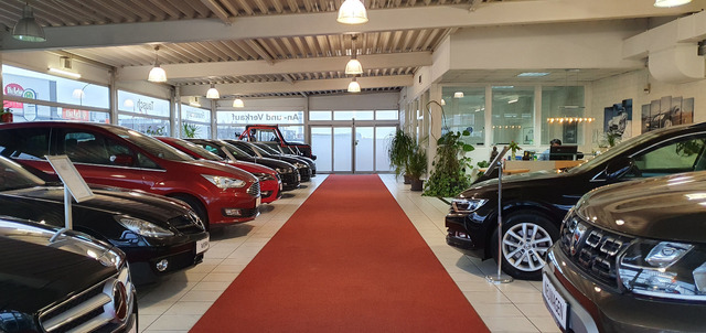 Opel Antara Cosmo 4x4 AUTOMATIK+LEDER+SHZ+EINPARKHILF, Jahr 2013, Benzin