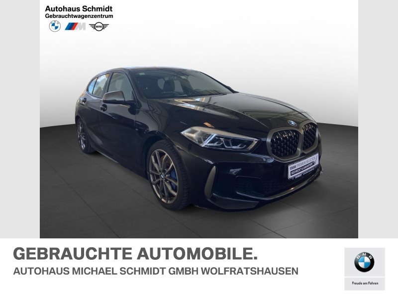 BMW M135i xDrive Head Up*Komfortzugang*Heckspoiler*LED*, Jahr 2021, Benzin