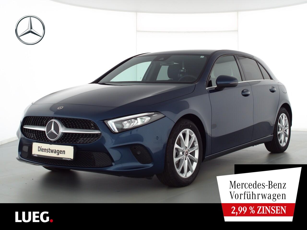 Mercedes-Benz A 180 STYLE+17''+TOTW.+KAMERA+LED+MBUX-ADVANCED, Jahr 2021, Benzin