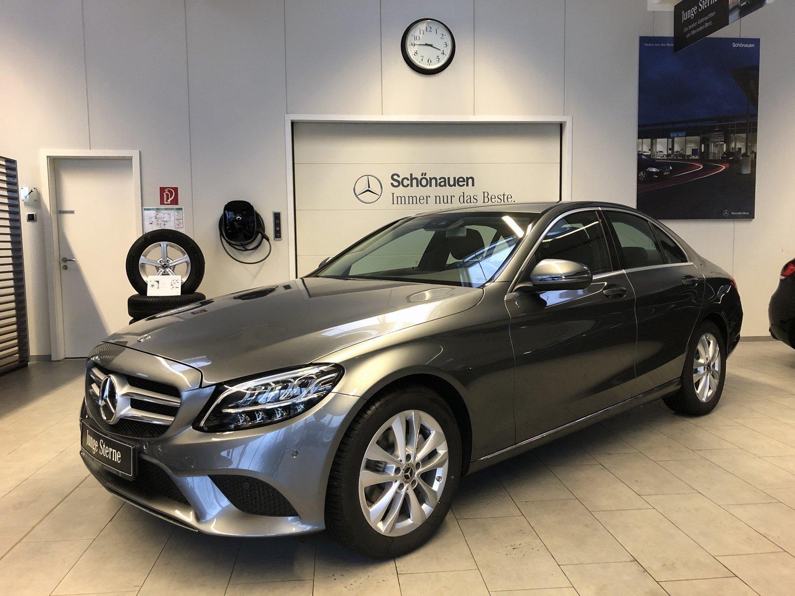 Mercedes-Benz C 180 Avantgarde AHK Advanced Licht Ambientebel., Jahr 2019, Benzin