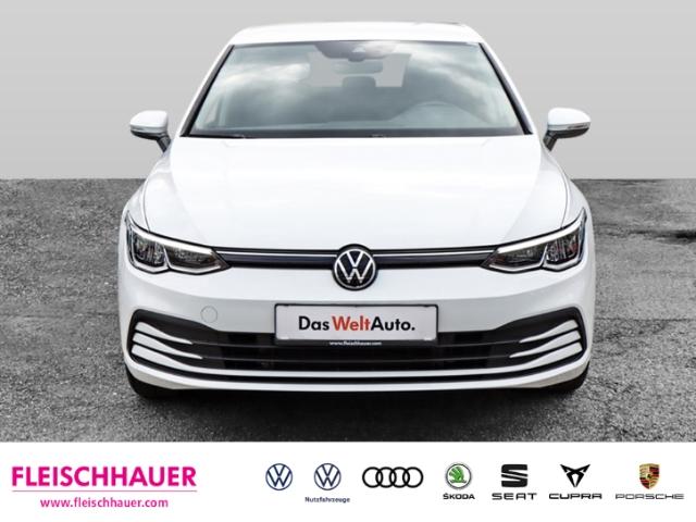 Volkswagen Golf VIII Life 1.5 TSI EU6d-T NAVI KLIMA PDC SHZ, Jahr 2020, Benzin