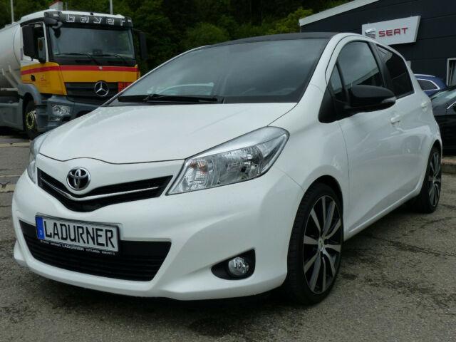 Toyota Yaris 1.0 VVT-i Cool, Jahr 2013, Benzin