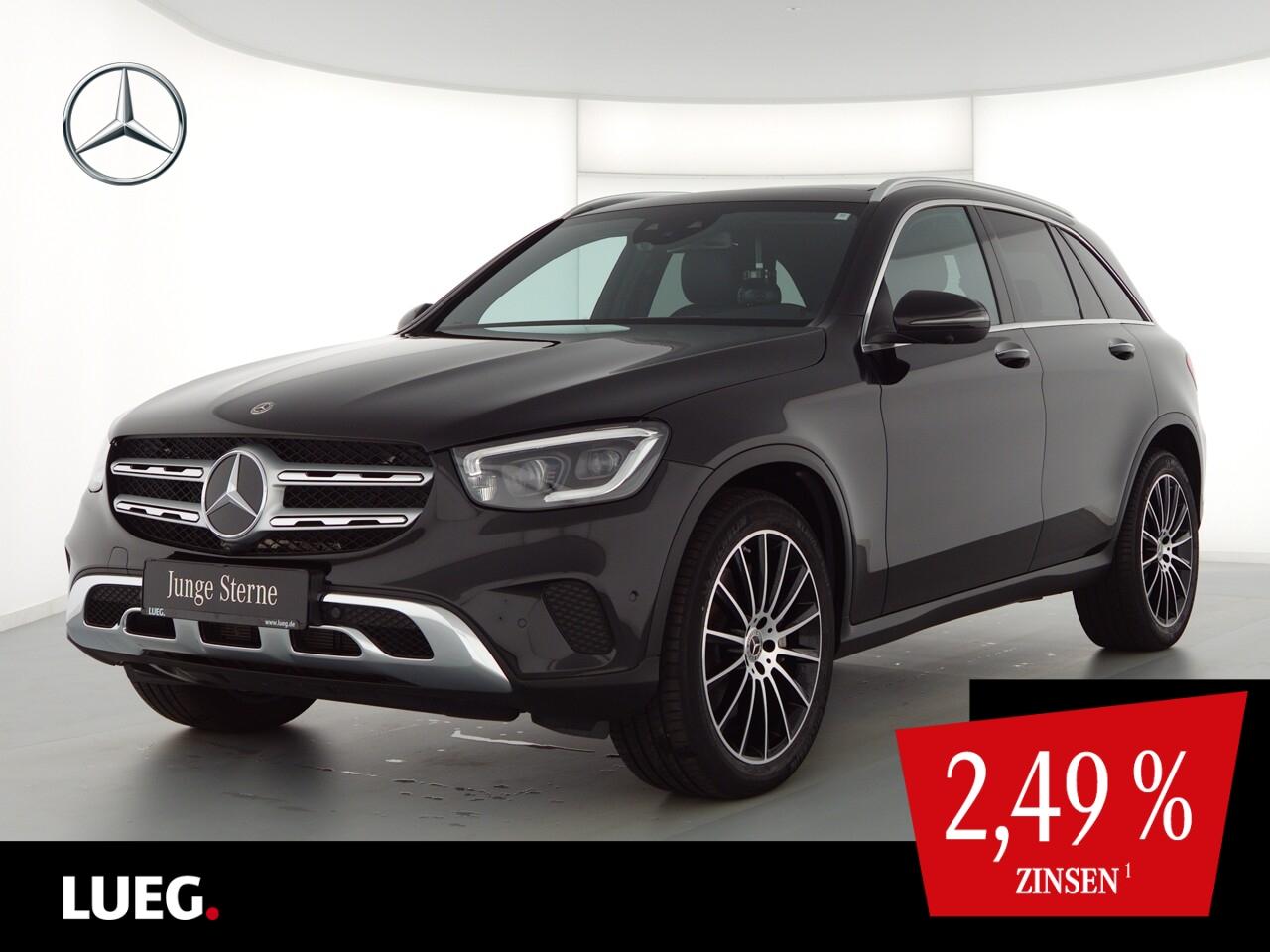 Mercedes-Benz GLC 300 4M MBUX+Pano+Burm+Mbeam+20+Sthzg+AHK+360, Jahr 2020, Benzin