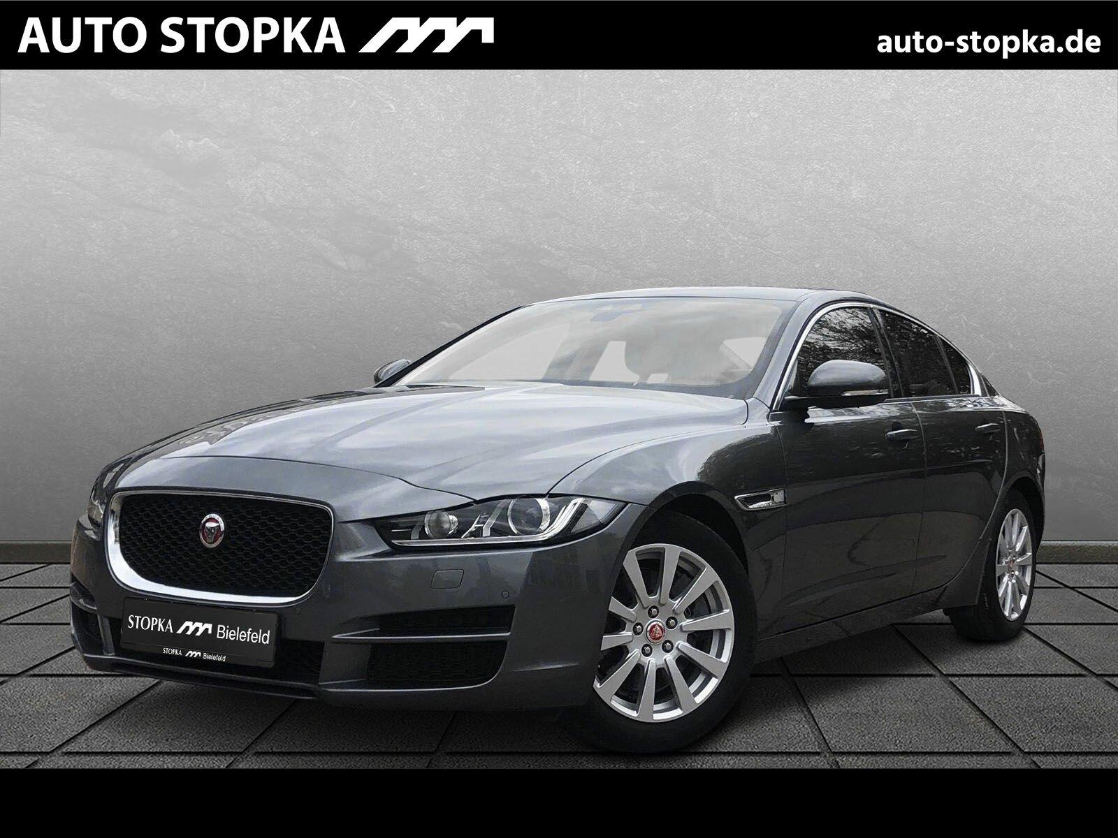 Jaguar XE 20T PURE *SHZ*BI-Xenon*Keyless Go*, Jahr 2015, Benzin
