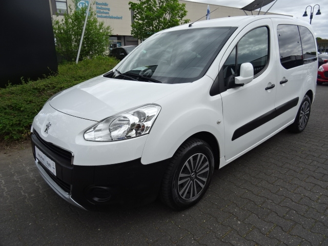 Peugeot Partner Tepee 1.6 VTi *Parksensoren hinten*Klima*Allwetterreifen*, Jahr 2014, Benzin