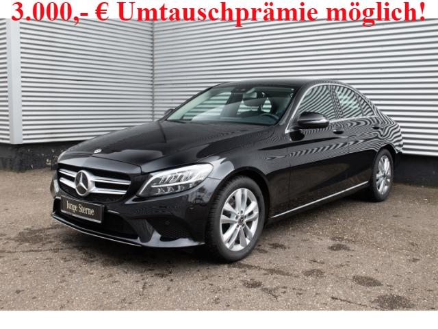Mercedes-Benz C 180 Avantgarde+9G-Navi+Kamera+LED+Ambiente, Jahr 2019, Benzin