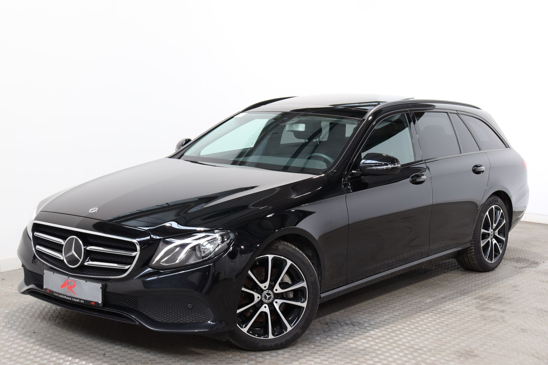 Mercedes-Benz E 220 d T 4MATIC NIGHTPAKET,DISTRONIC,KAMERA, Jahr 2018, Diesel