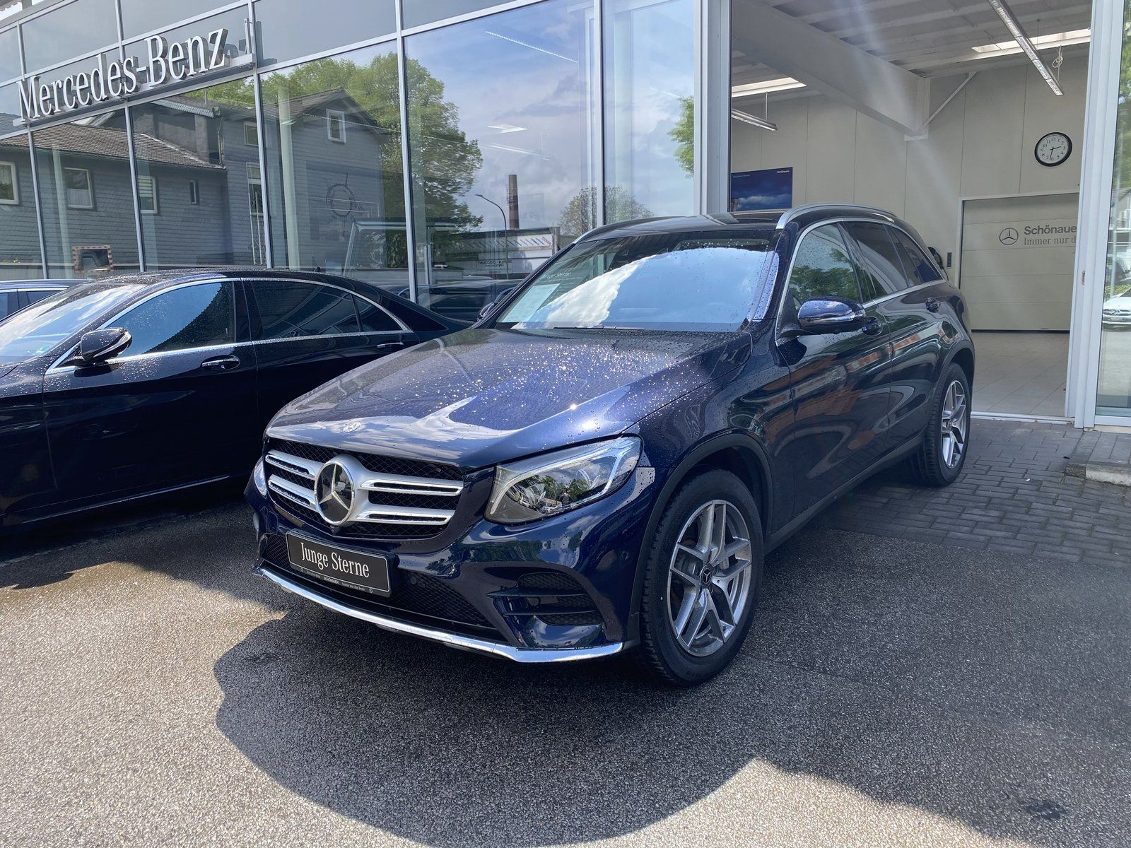 Mercedes-Benz GLC 250 4M AMG+COMAND+AIRBODY+DISTR+PANO+BURMES., Jahr 2018, Benzin