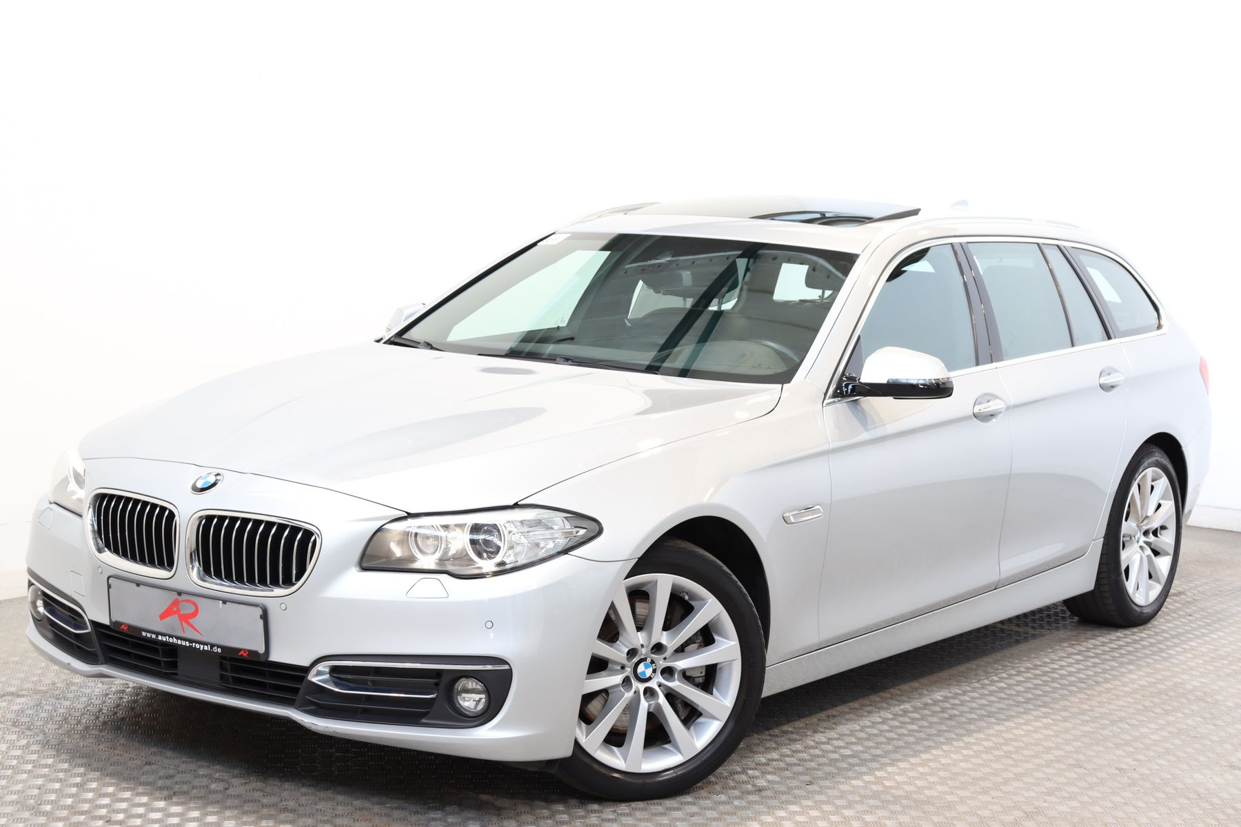 BMW 530 d xDrive T LUXURY KEYLESS,HEADUP,SOFTCLOSE, Jahr 2016, Diesel