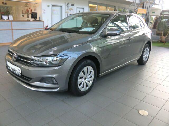 Volkswagen Polo VI Comfortline, Jahr 2021, Benzin