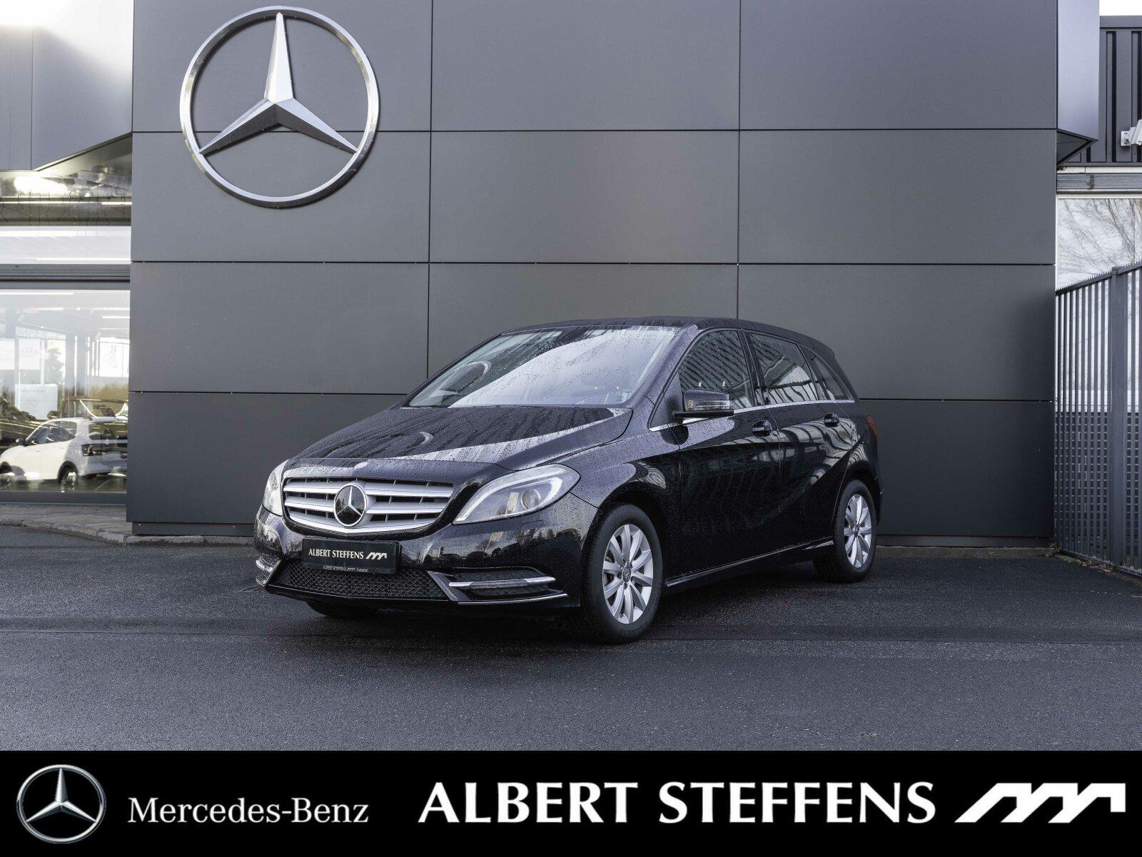 Mercedes-Benz B 180 Xenon+NAVI+AHK+Sitzheizung+Bremsassistent, Jahr 2014, Benzin