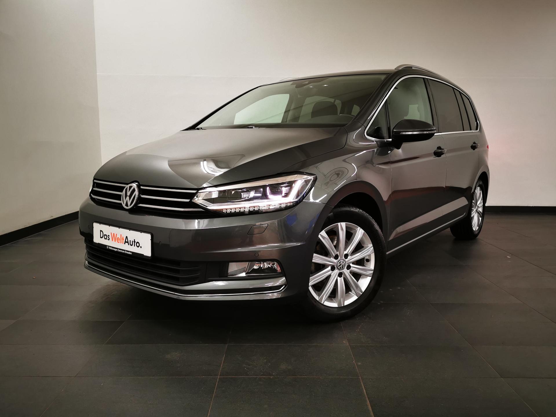 Volkswagen Touran Highline DSG LED NAVI SHZ ACC ab 2,99%, Jahr 2017, Benzin