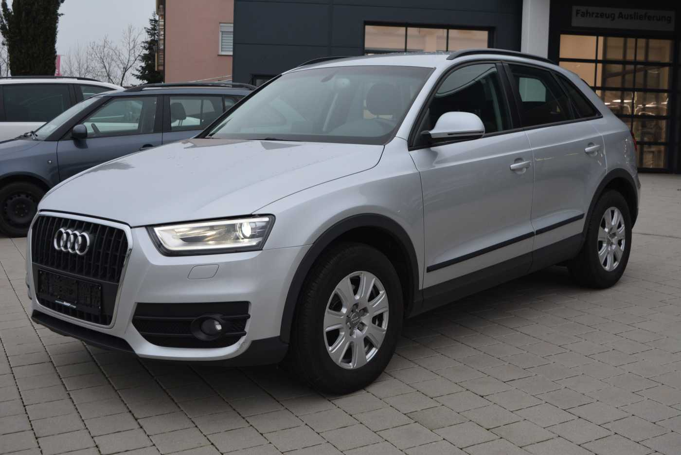 Audi Q3 2.0 TDI Navi,AHK,Xenon,SHZ,PDC,BT,16', Jahr 2013, Diesel