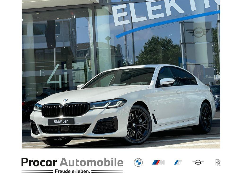 BMW 540i xDrive HARMAN/KARDON+LASERLICHT+HEAD UP+19 +KOMFORTZUGANG, Jahr 2021, Hybrid