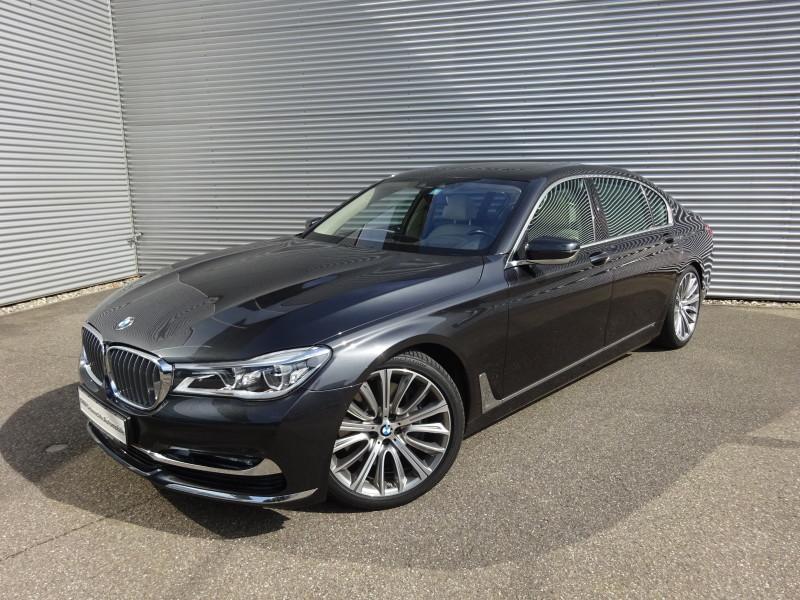 BMW 750Li xDrive Panorama Glasdach Sky Lounge Paket: Exterieurdesign -Interieurdesign Pure Excellence, Jahr 2015, petrol