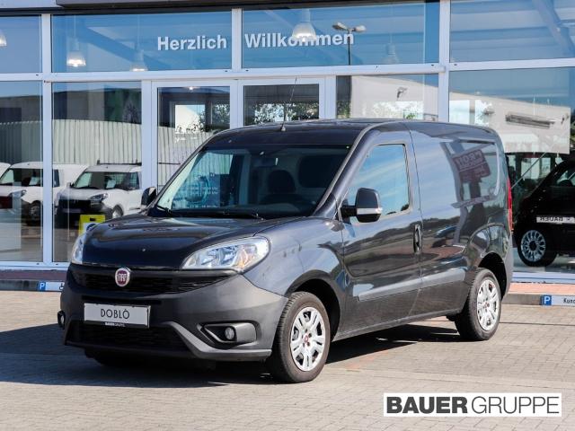 Fiat Doblo Kasten 1,3 Diesel SX AHK, Regalsystem, Jahr 2015, Diesel