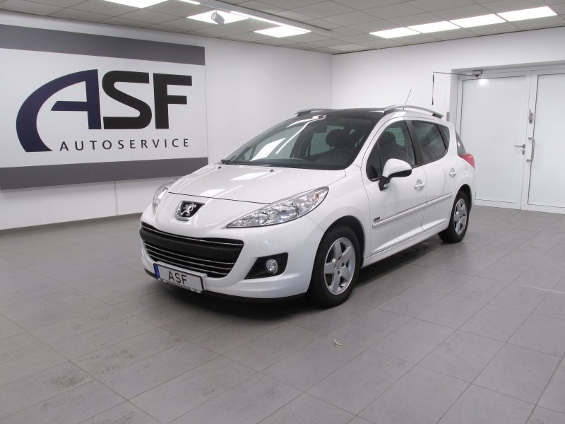 Peugeot 207 SW Family # Klima # Bluetooth # Panoramadach #, Jahr 2012, Benzin