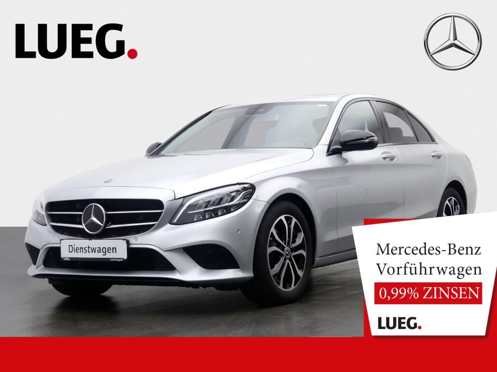 Mercedes-Benz C 180 AVANTG.+NIGHT+LED+SP-P+KAM+SD+KLIMAAUTOM., Jahr 2020, Benzin