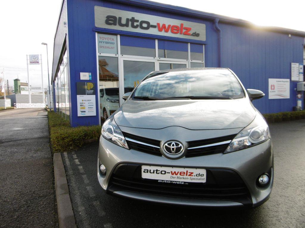 Toyota Verso 2.0 D-4D 5-Sitzer Life, Jahr 2013, diesel