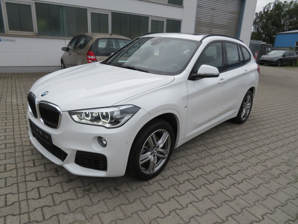 BMW X1 sDrive 18 i M Sport*Pano*Parkassist*LED*, Jahr 2018, Benzin