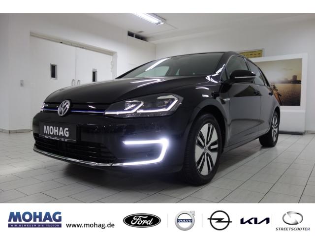 Volkswagen Golf VII e LED*Navi-Keyless-Kurvenlicht-ACC-Rückfahrkam.-Fernlichtass.-PDCv+h-LED-hinten*, Jahr 2020, Elektro