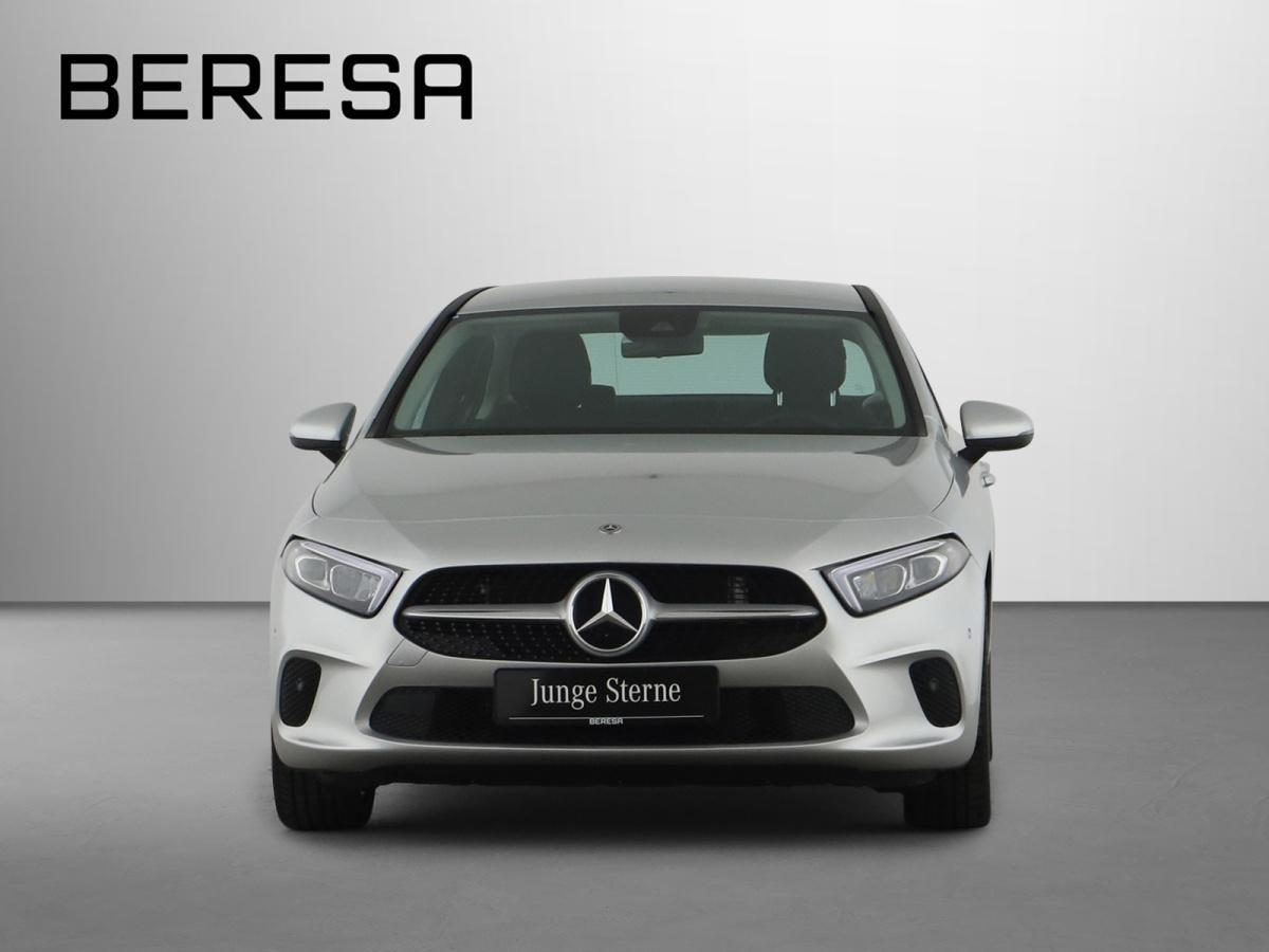 Mercedes-Benz A 200 Limousine LED PDC, Jahr 2019, Benzin