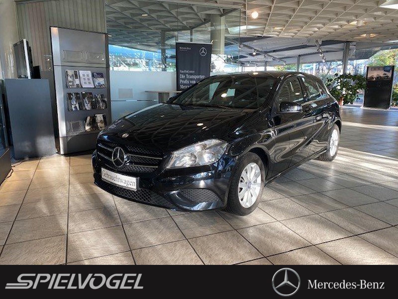 Mercedes-Benz A 180 STYLE NAVI PARKPILOT SHZ KLIMAANLAGE, Jahr 2015, Benzin