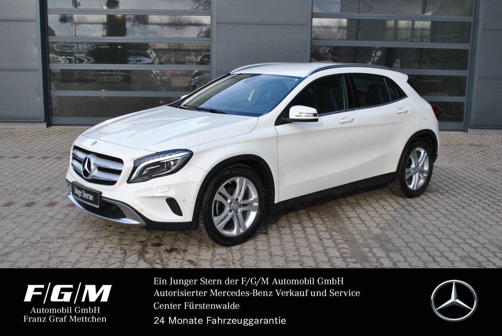 Mercedes-Benz GLA 180 Urban/Navi/Bi-Xenon/Parktronic/7G DCT, Jahr 2016, Benzin