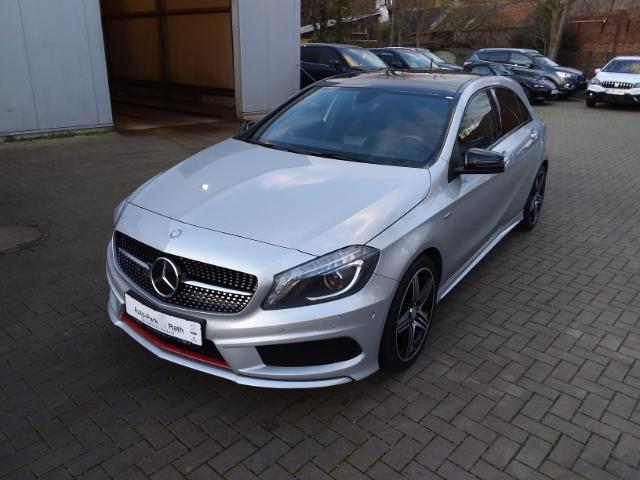 Mercedes-Benz A 250 A-Klasse AMG-Sportpaket, Navi, Jahr 2014, Benzin
