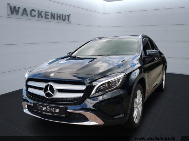 Mercedes-Benz GLA 180 Score Urban Panorama AHK ILS Kamera, Jahr 2016, Benzin