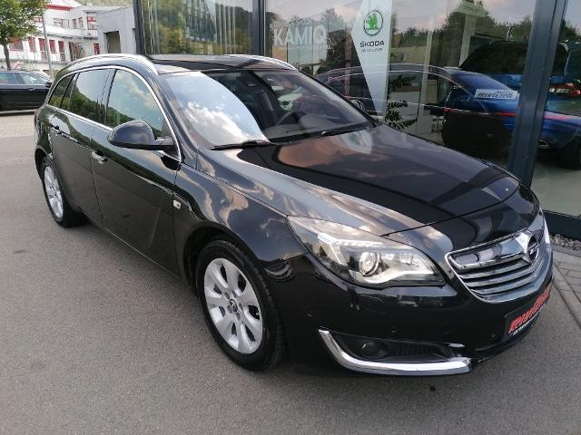 Opel Insignia Sports Tourer 1.4 Turbo Innovation, Jahr 2015, Benzin