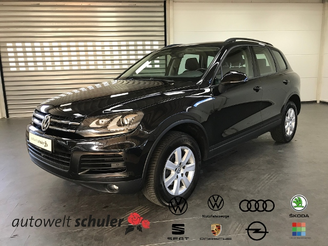 Volkswagen Touareg 3.0 V6 TDI 4Motion DSG AHK Navi RFK, Jahr 2013, Diesel