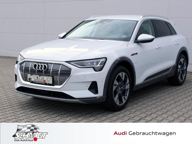 Audi e-tron 55 quattro advanced LED Tour, Jahr 2020, electric