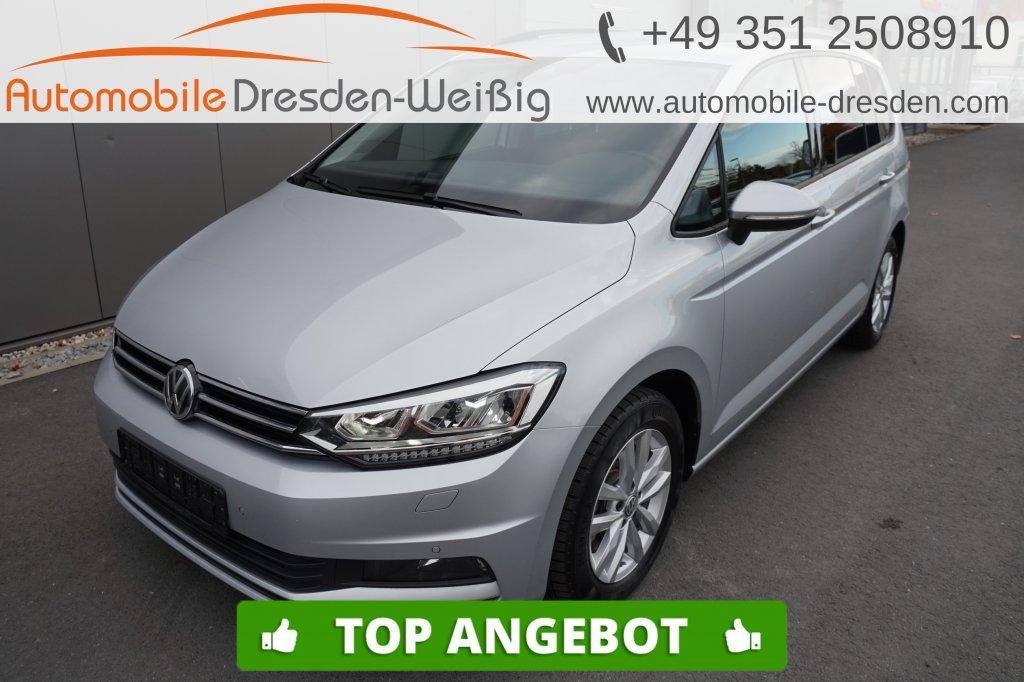 Volkswagen Touran 1.5 TSI DSG Comfortline*Navi*ACC*Massage*, Jahr 2019, Benzin