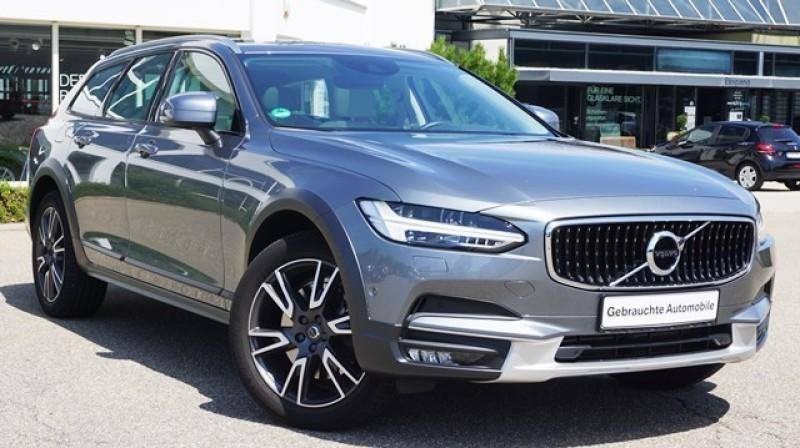 Volvo V90 Cross Country AWD Country T5 AWD Pro Geartronic aktiv, Jahr 2017, Benzin