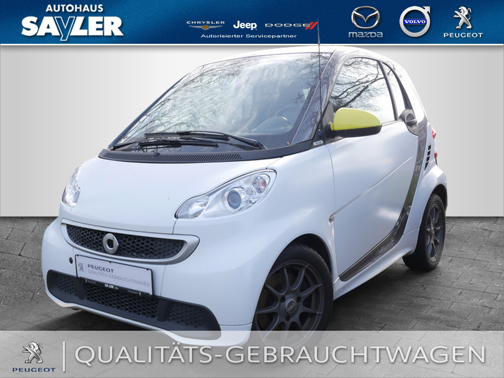 smart fortwo coupe edition whiteshade mhd 52kw, Jahr 2014, Benzin