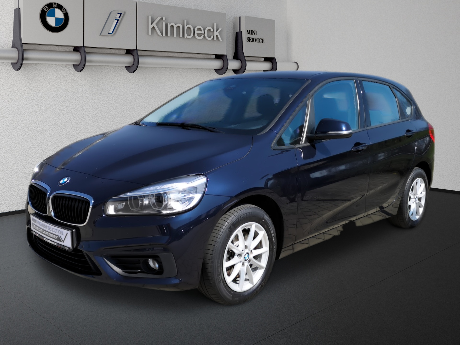 BMW 218i Active Tourer Advantage Navi LED 2JGarantie, Jahr 2017, Benzin