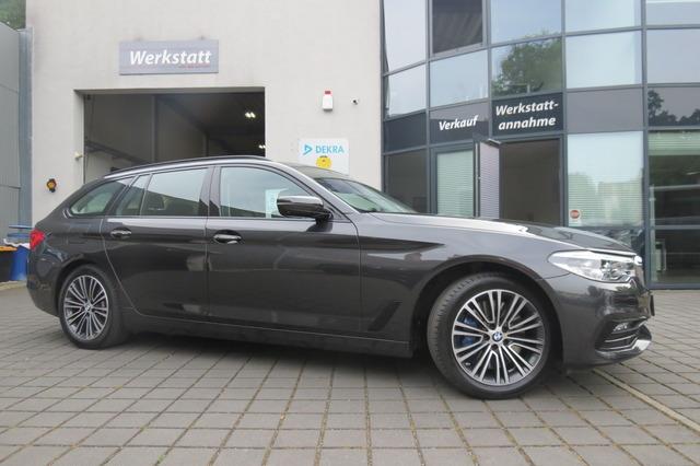BMW 540 i Touring xDrive Sport Line Pano/360°/Ahk/St, Jahr 2017, Benzin