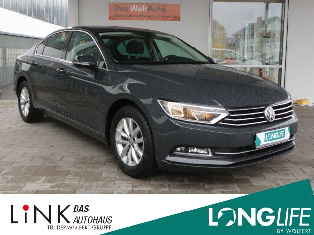 Volkswagen Passat Limousine 1.4 TSI Comfortline ACC NAVI Sitzh., Jahr 2015, Benzin