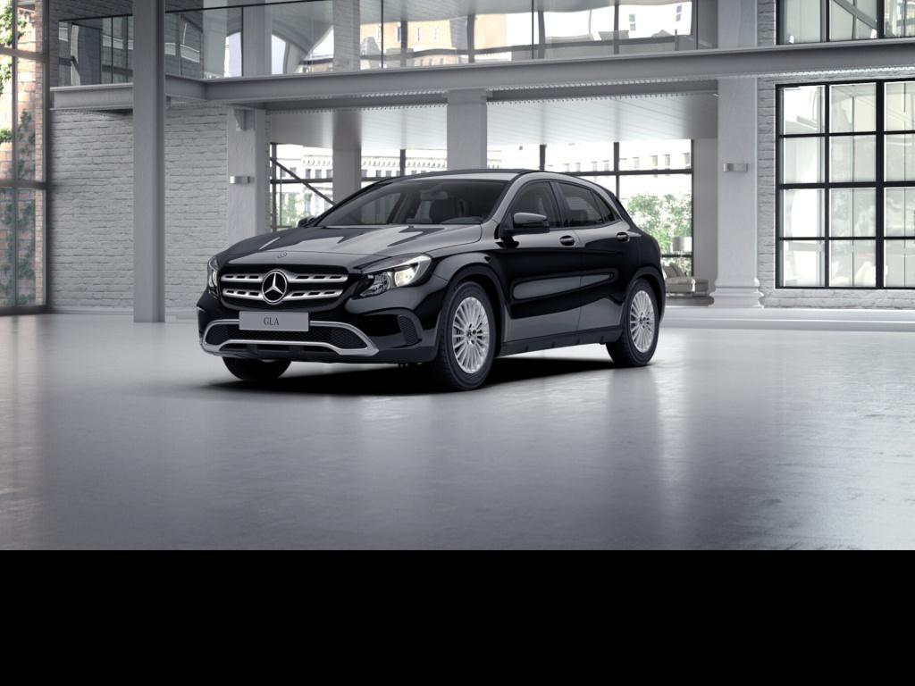 Mercedes-Benz GLA 180 d Klimaanlage Rückfahrkamera Sitzheizung, Jahr 2017, Diesel