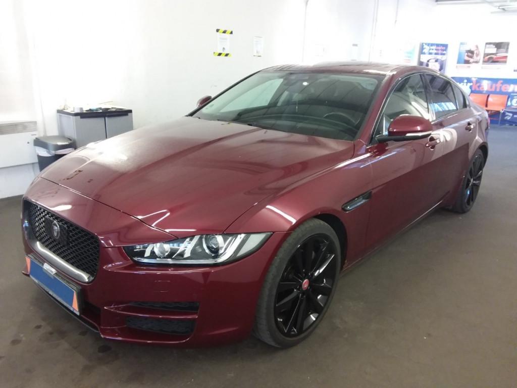 Jaguar XE AUT. Prestige BlackPack Navi Leder RCam Xenon, Jahr 2016, Diesel